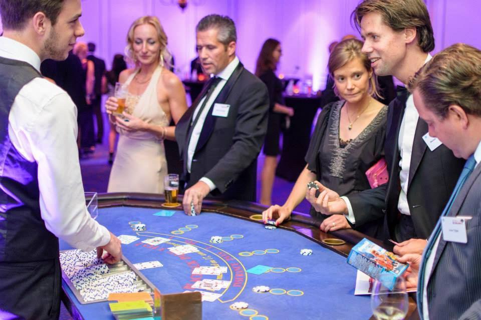 black jack tafel huren doet u bij casinohuren.nl
