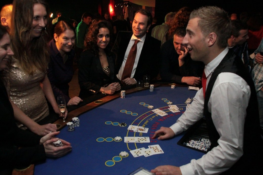 Blackjacken bij Casinohuren.nl