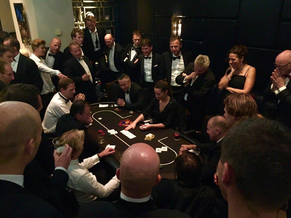Poker spel huren bij casinohuren.nl